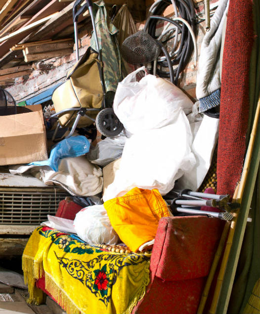 junky-garage-packrat