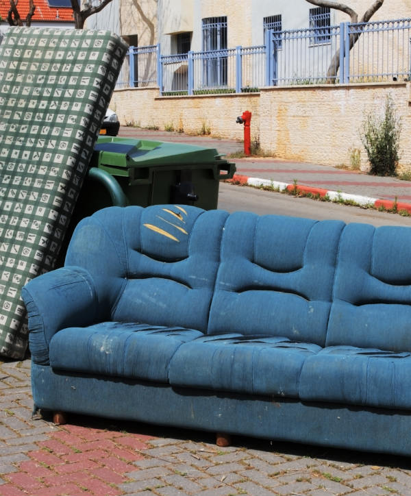 furniture-left-on-sidewalk
